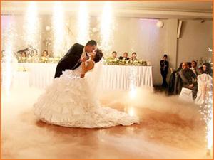 Организация свадебного танца для молодожен