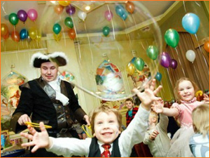 Мыльные пузыри на детском празднике