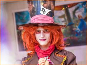 Шляпник из детского квеста Алиса в стране чудес